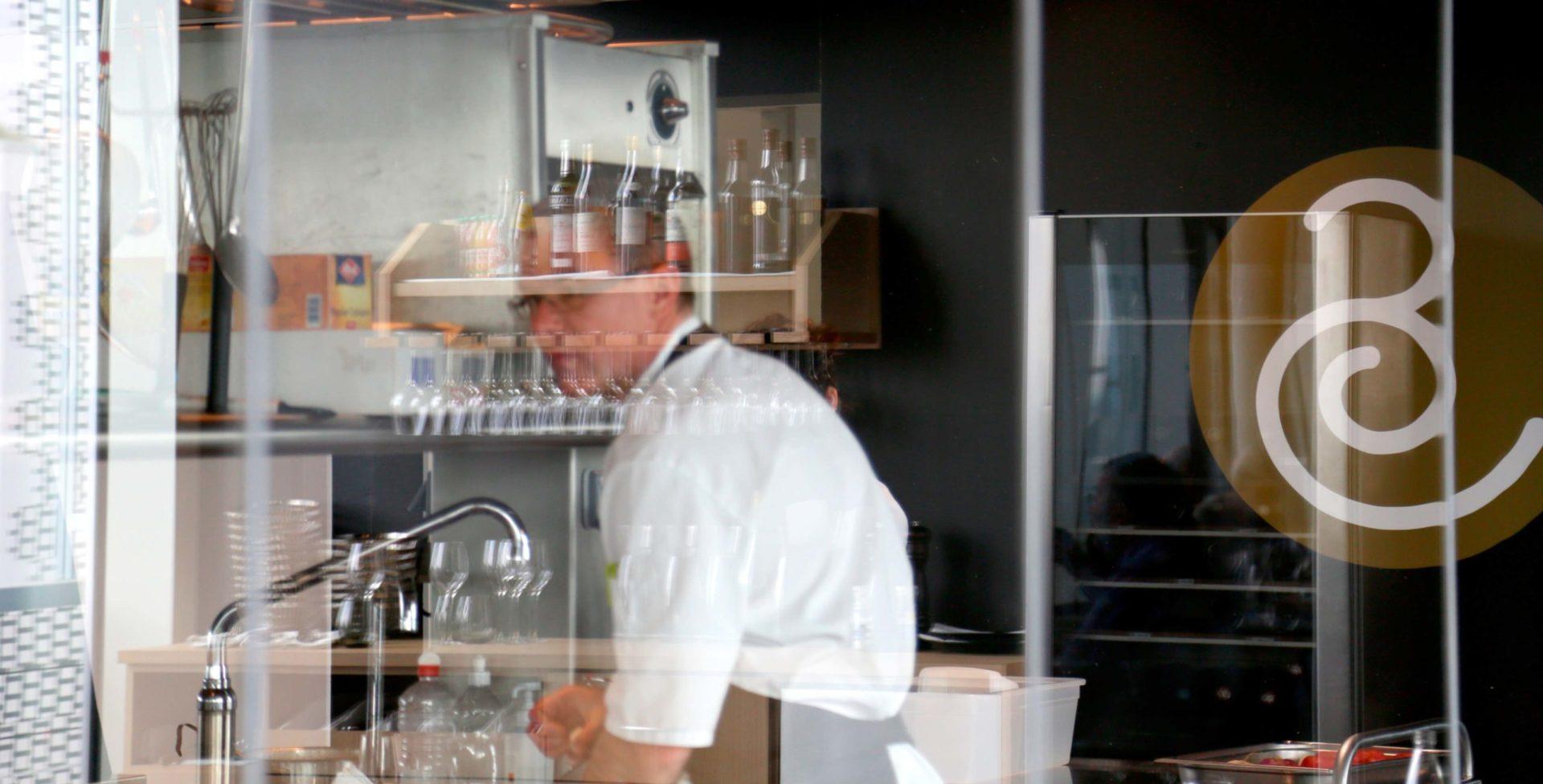 Landeau création Centre Culinaire Contemporain photo cuisine centrale en verre