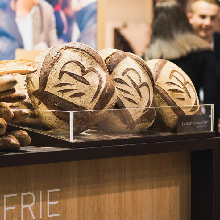 Landeau création Minoterie Bourseau stand Serbotel pains avec logo B